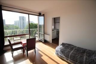 St Denis Appartement 1 pièce de 27 m²