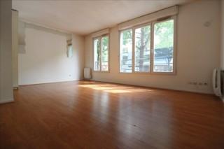 La Plaine St Denis Appartement a renover 1 pièce de 30 m²